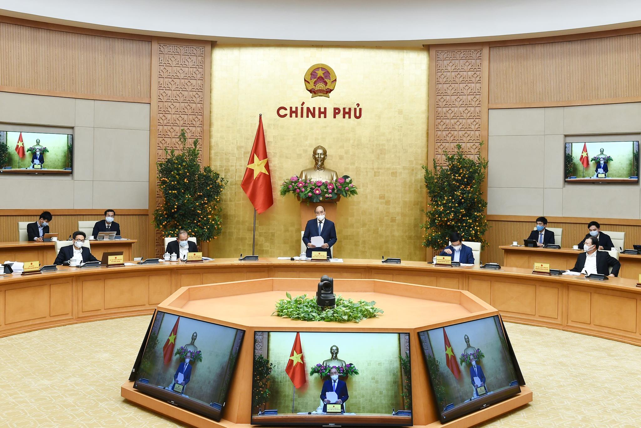 Thủ tướng Nguyễn Xuân Phúc chủ trì cuộc họp Thường trực Chính phủ bàn về tình hình Tết, triển khai các nhiệm vụ trọng tâm sau Tết và công tác phòng chống dịch COVID-19
