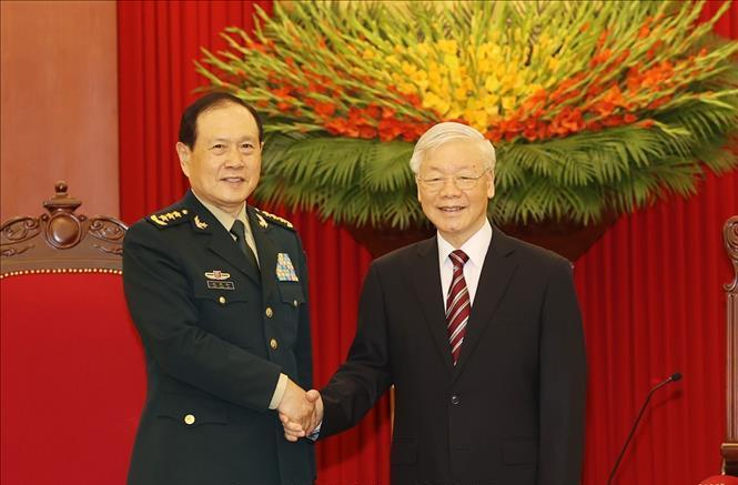 Tổng Bí thư Nguyễn Phú Trọng tiếp thân mật đồng chí Ngụy Phượng Hòa, Ủy viên Quốc vụ, Bộ trưởng Quốc phòng Trung Quốc