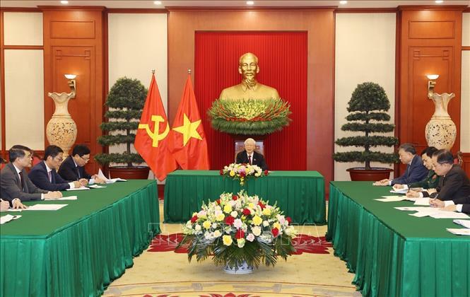 Đồng chí Nguyễn Phú Trọng, Tổng Bí thư Ban Chấp hành Trung ương Đảng điện đàm với Tổng thống Liên bang Nga V. Pu-tin